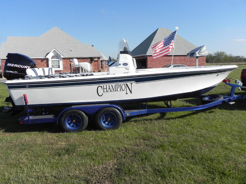 2008 Champion 220 located in Texas for sale