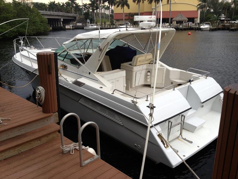 1988 WELLCRAFT GRAN SPORT located in Florida for sale
