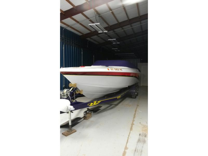2002 Donzi 26ZX located in Kentucky for sale
