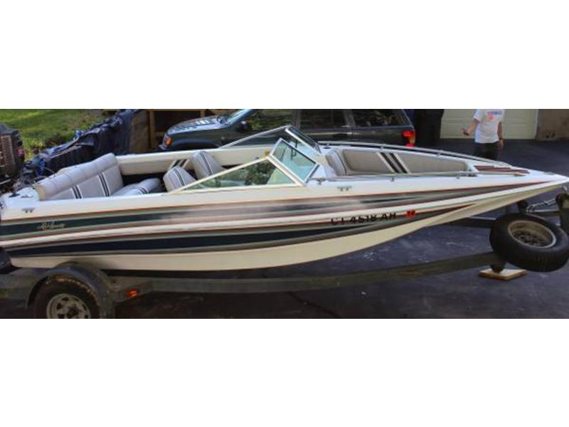 1987 Hydrostream Valero YT Open Bow located in Connecticut for sale