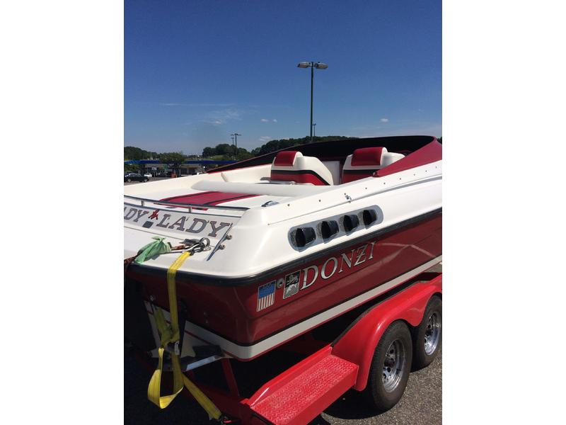 1990 Donzi with pickup Black widow 24 located in New Jersey for sale