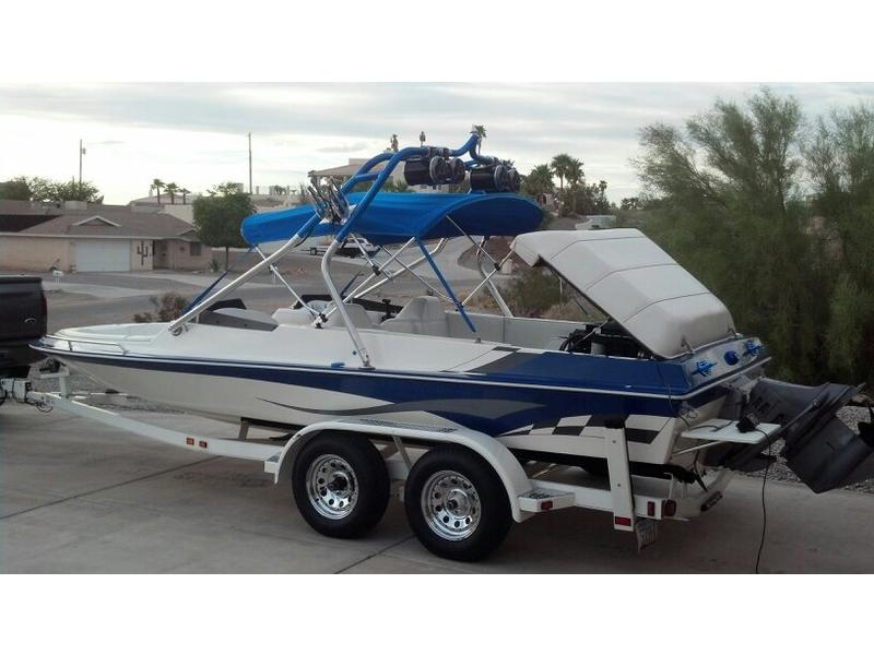 2004 warlock 21 lxi powerboat for sale in california for 13th floor wakeboard tower