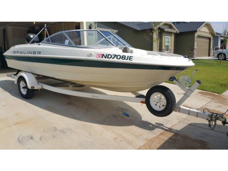 2000 Bayliner Capri 1800 LX BR CJ powerboat for sale in