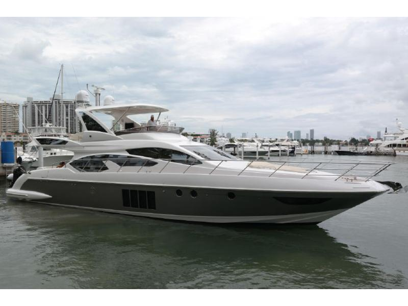 2015 Azimut 64 Flybridge powerboat for sale in Florida