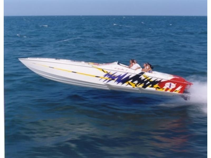 2000 Cigarette Top Gun located in Florida for sale