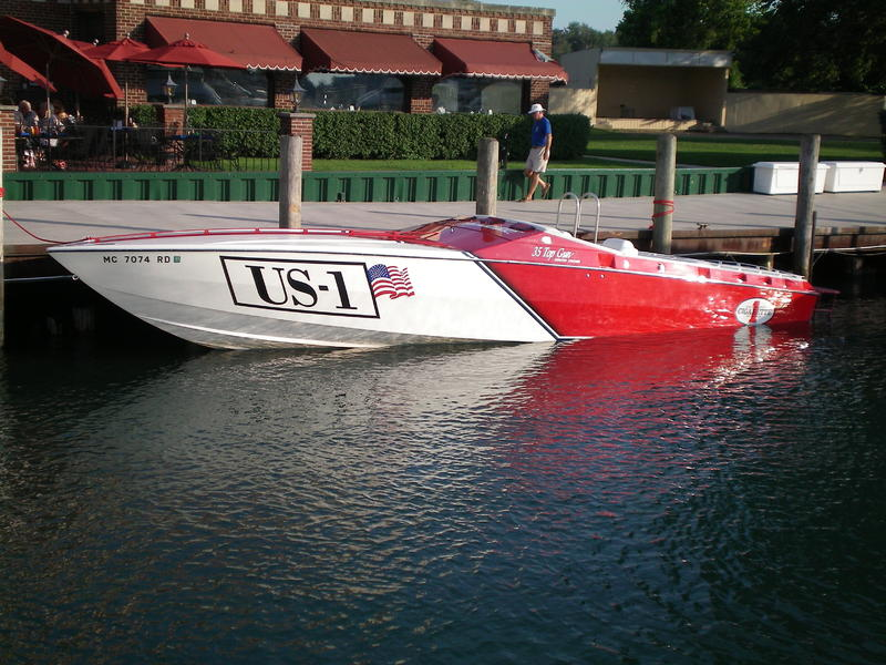 1999 Cigarette 35 Top Gun located in Michigan for sale