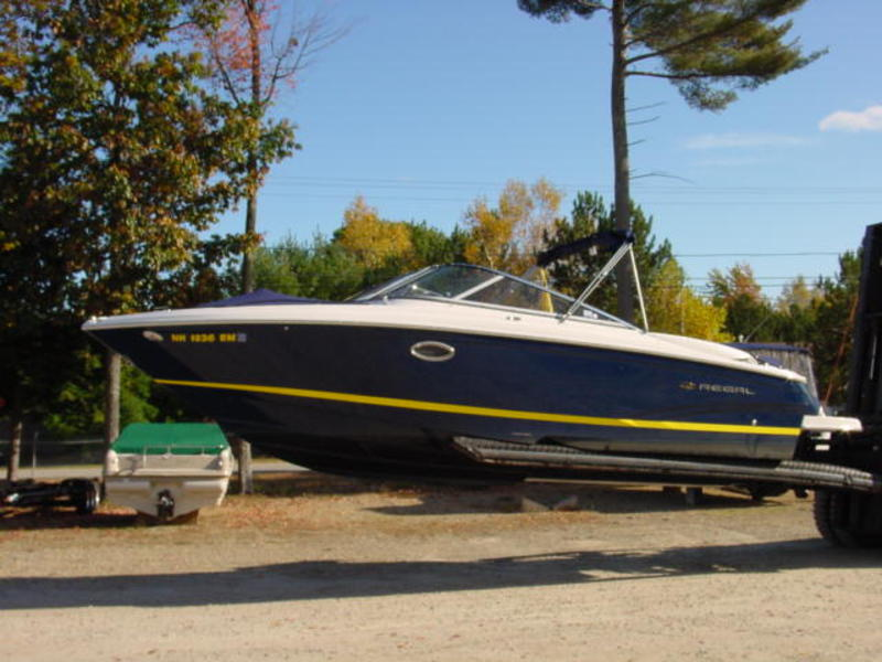 2007 Regal 2700 located in New Hampshire for sale