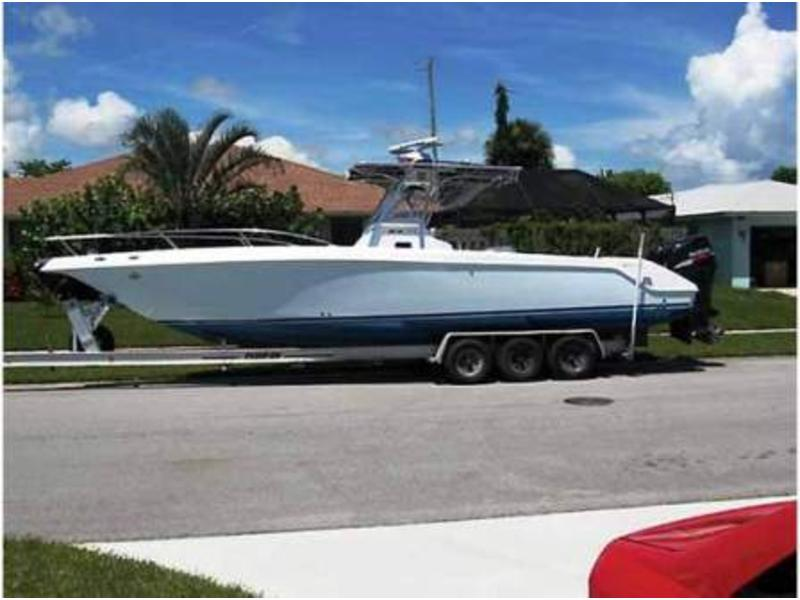 2000 Donzi ZF32 Center Console located in Florida for sale