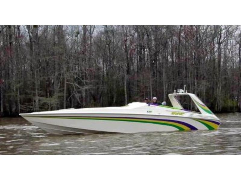 1990 Sonic 34SS located in Louisiana for sale