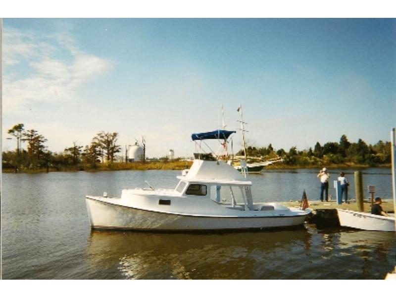 1988 Harkers Island Cruiser Core Sound Classic Round Stern located in South Carolina for sale