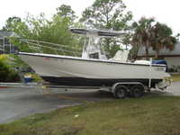 1996 Naples Florida 25 Boston Whaler 25 Outrage Center Console
