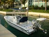 2001 Miami Beach Florida 22 Boston Whaler Dauntless