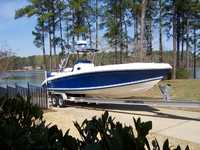 2003 Columbia South Carolina 32 Dakota Center Console 32 Cuddy